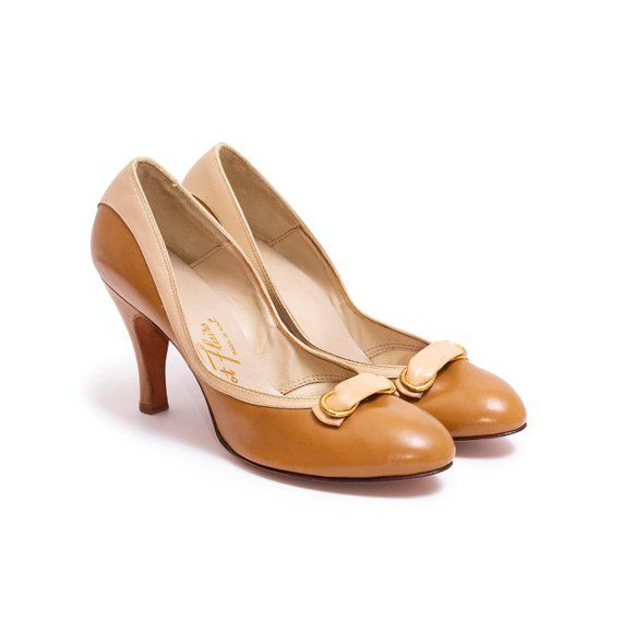 180352ed2f2f4 1940s Vintage Caramel Brown Pumps, 40s 50s Bombshell Two-Tone Heels ...