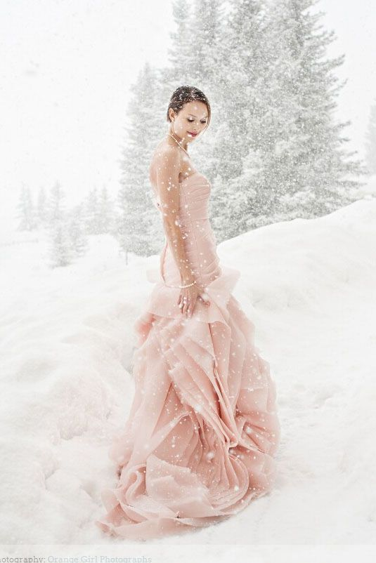 top-18-unique-blush-wedding-dress-designs-spring-theme-for-ceremony-day (10)
