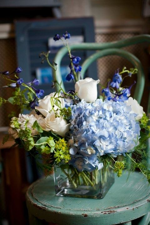 Vintage Floral Arrangement Change The Blue To Peachy Pink And We Are Good Hydrangea Flower Arrangements Blue Flower Arrangements Vintage Flower Arrangements