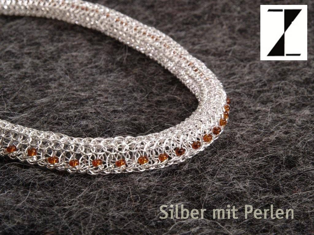 Detail: Collier handgestrickt Silber mit Perlen www.atelier ...