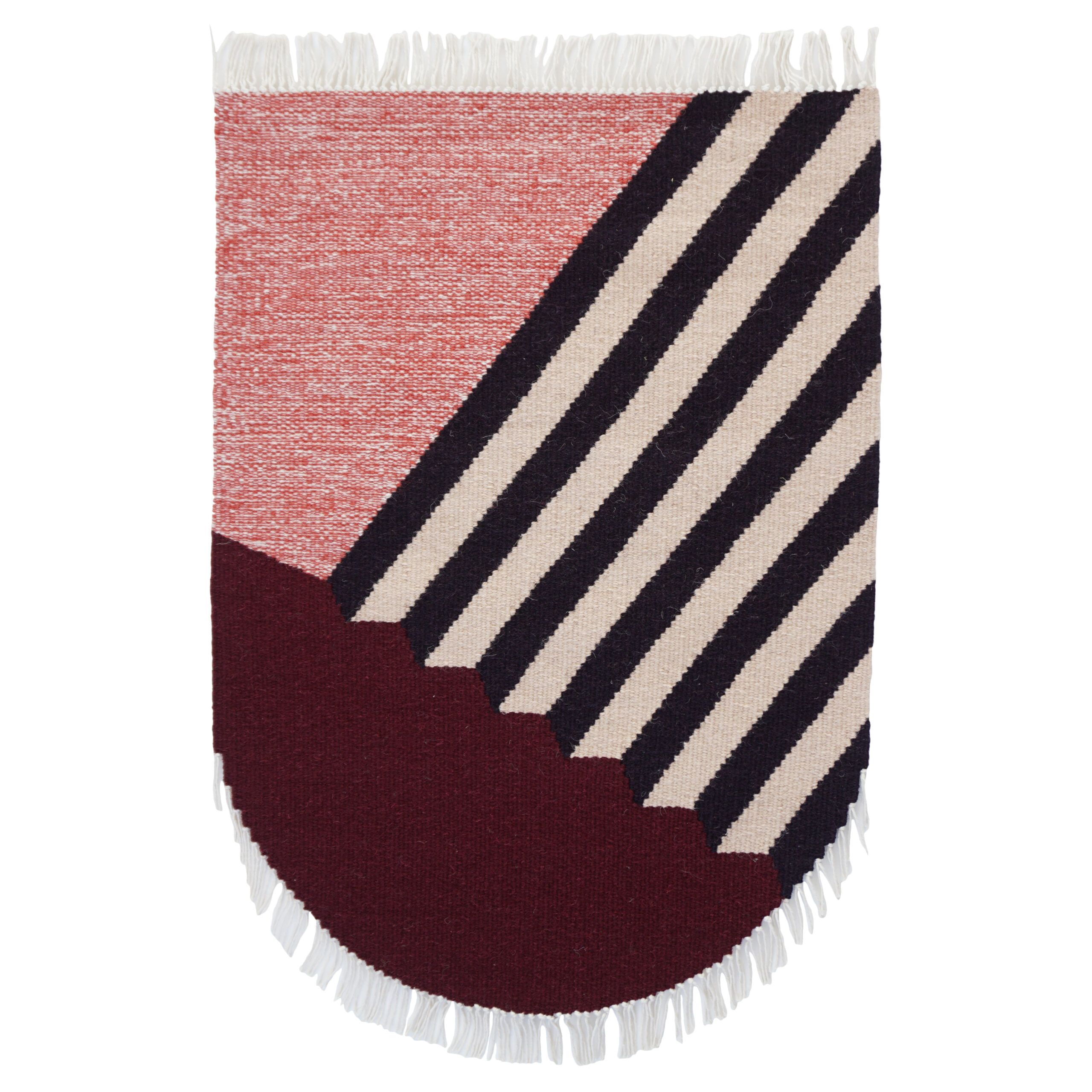 RAAG - a hand woven flat area rug, modern kilim by Tartaruga and Un'common #modernrug #modernkilim #kilim #walldecoration #wallart #wallhanging #kilimonthewall #kilim #rug #handwoven #localproduction #zerowaste #woolenrug #recycledyarn #recycledmaterials #sustainabledesign #sustainableproduction #lesswaste #arearug #weaving #modernweaving #floorloom #weavingstudio #vintagelovers #vintagedecor #handcrafted #newvintage #wool