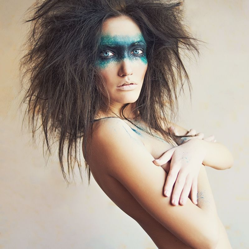 Love the wild hair and make up   Photoshoot Ideas ...