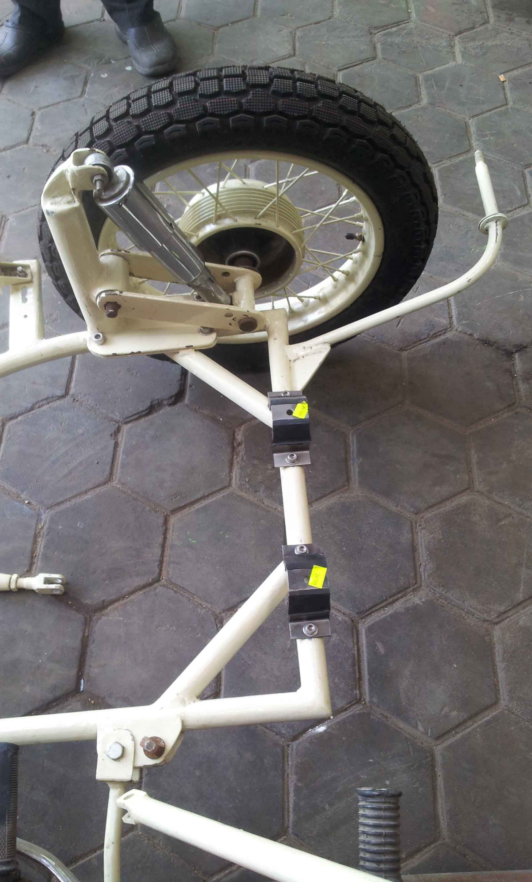 side car chassis with new rubber mountings | Kendaraan