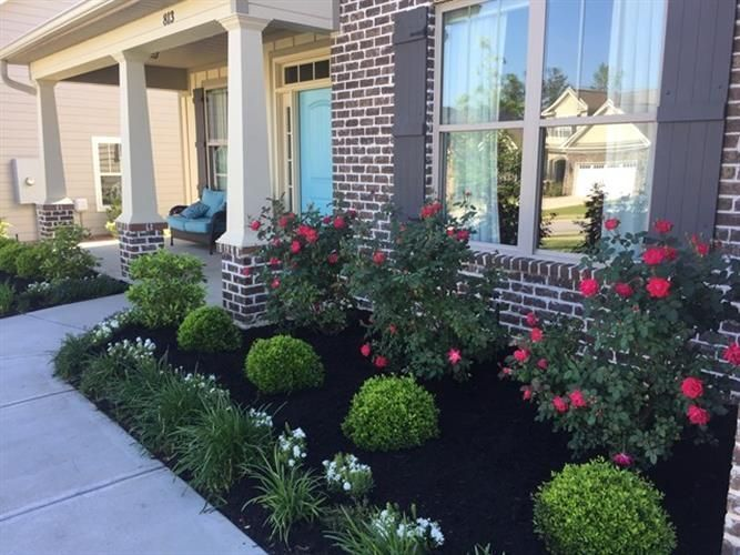 Photo of 38 Lovely Flower Beds Design Ideas In Front Of House   #landscaping #garden