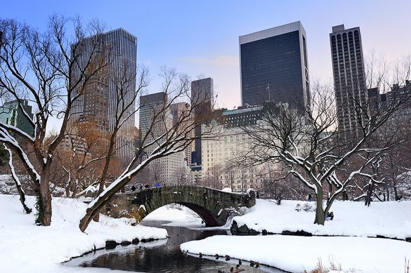 Gapstow Bridge in Central Park. Winter time!! :)