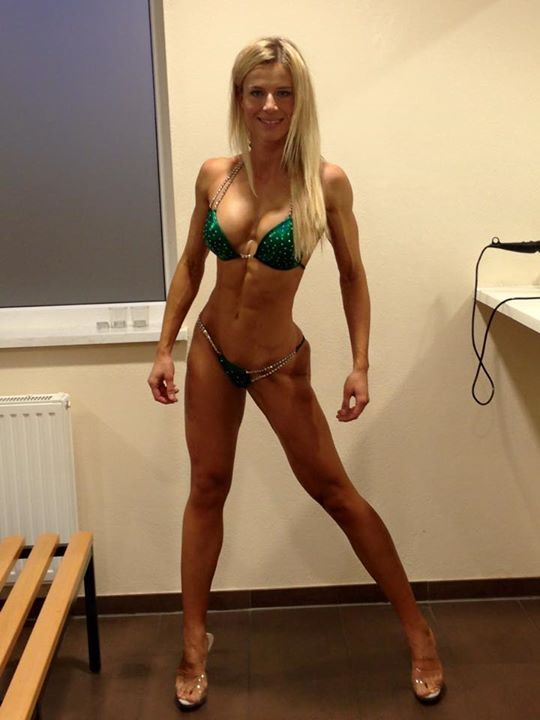 Adrienne Koleszar  nackt