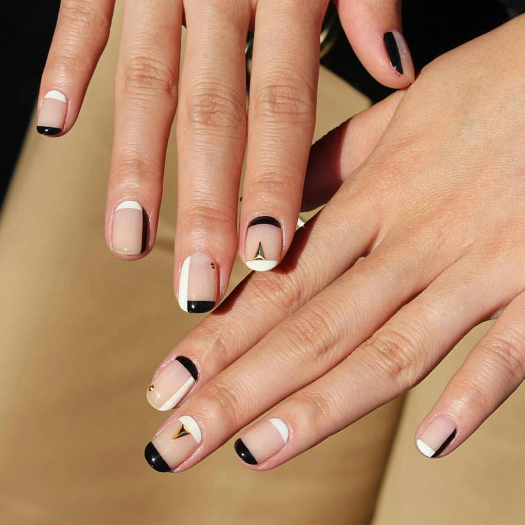 Double Crescent Nail Art Just Revamped Your French Manicure ...