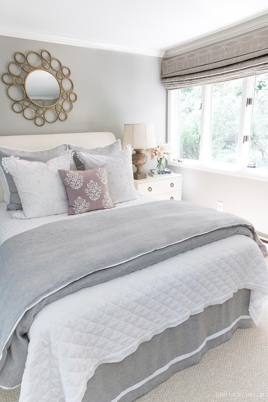 Love the pretty bedding combination of the white linen quilt and gray & white duvet! Links and details in post! #bedding #quilt #duvet #bedroomdecor #bedroomideas #bedroom
