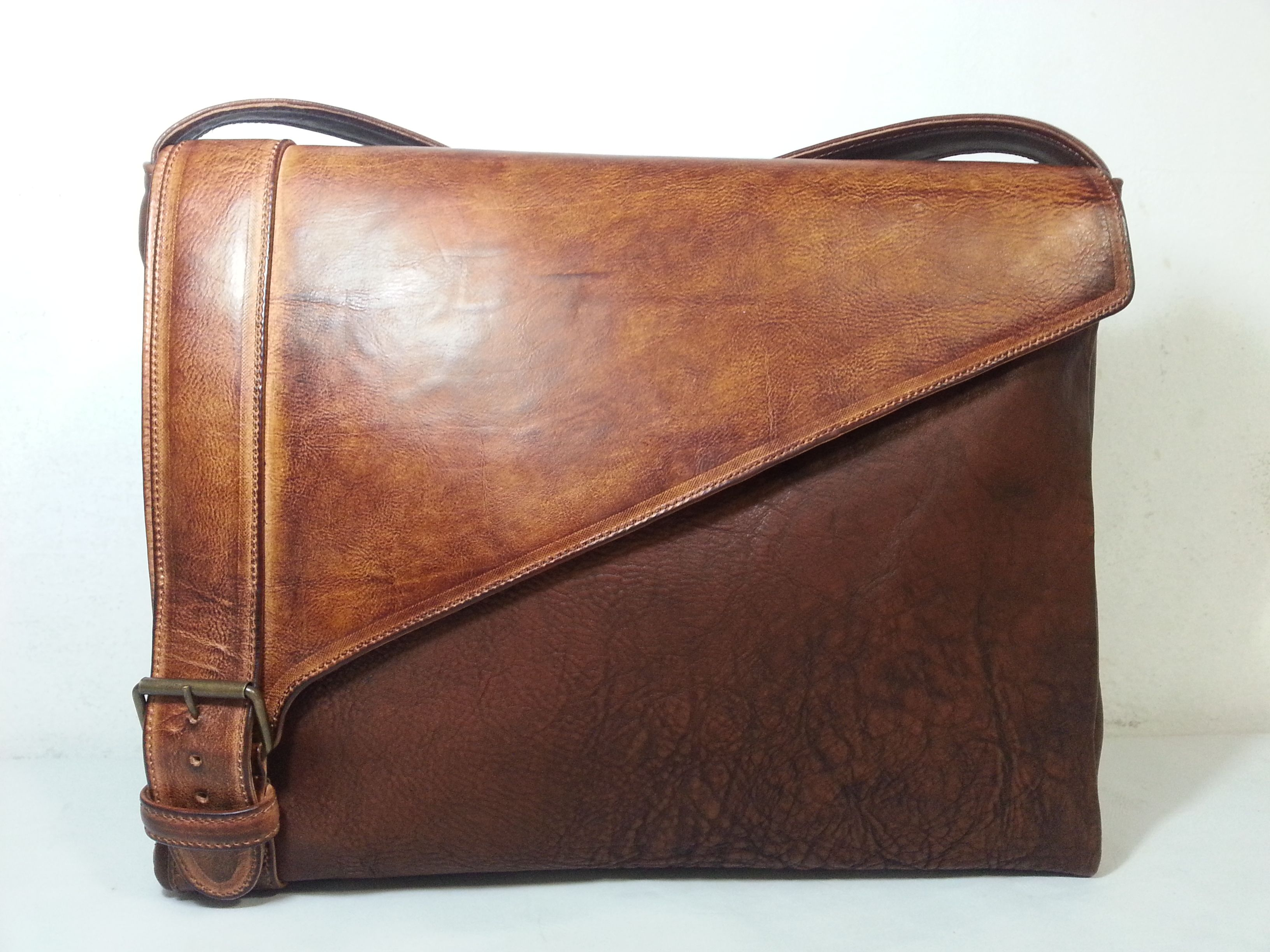 Messenger bag in GENUINE brown hand-brushed CALFSKIN. Made in Italy, near Florence in Tuscany