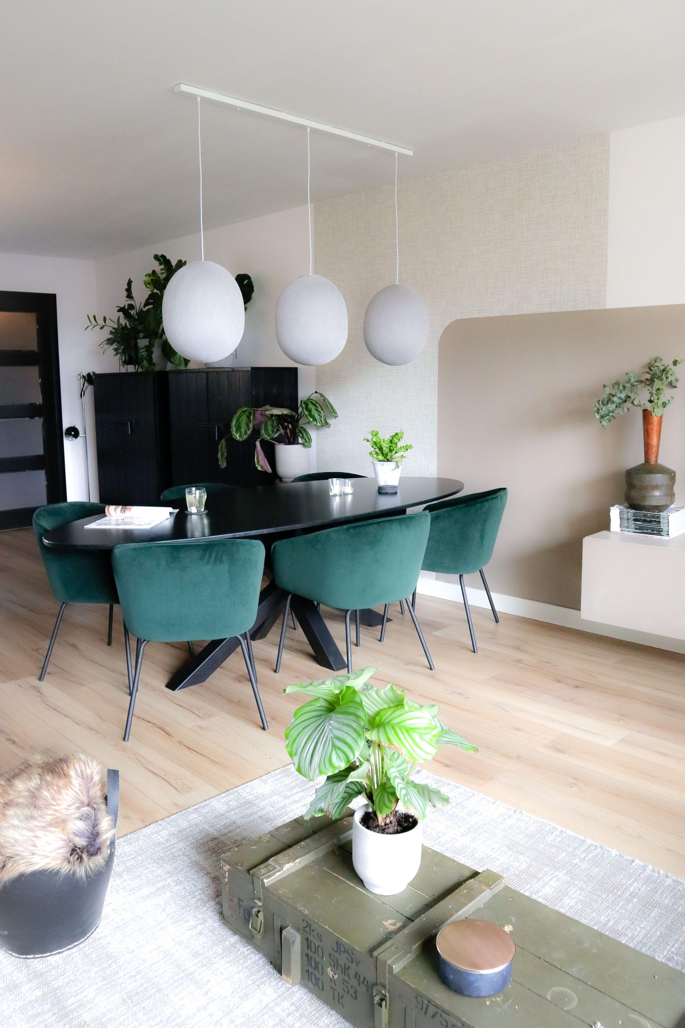 5x Tips Voor Het Stylen Van Een Lange Muur In De Woonkamer Interieur Lifestyle Design Woonkamers Lange Woonkamers Thuisdecoratie