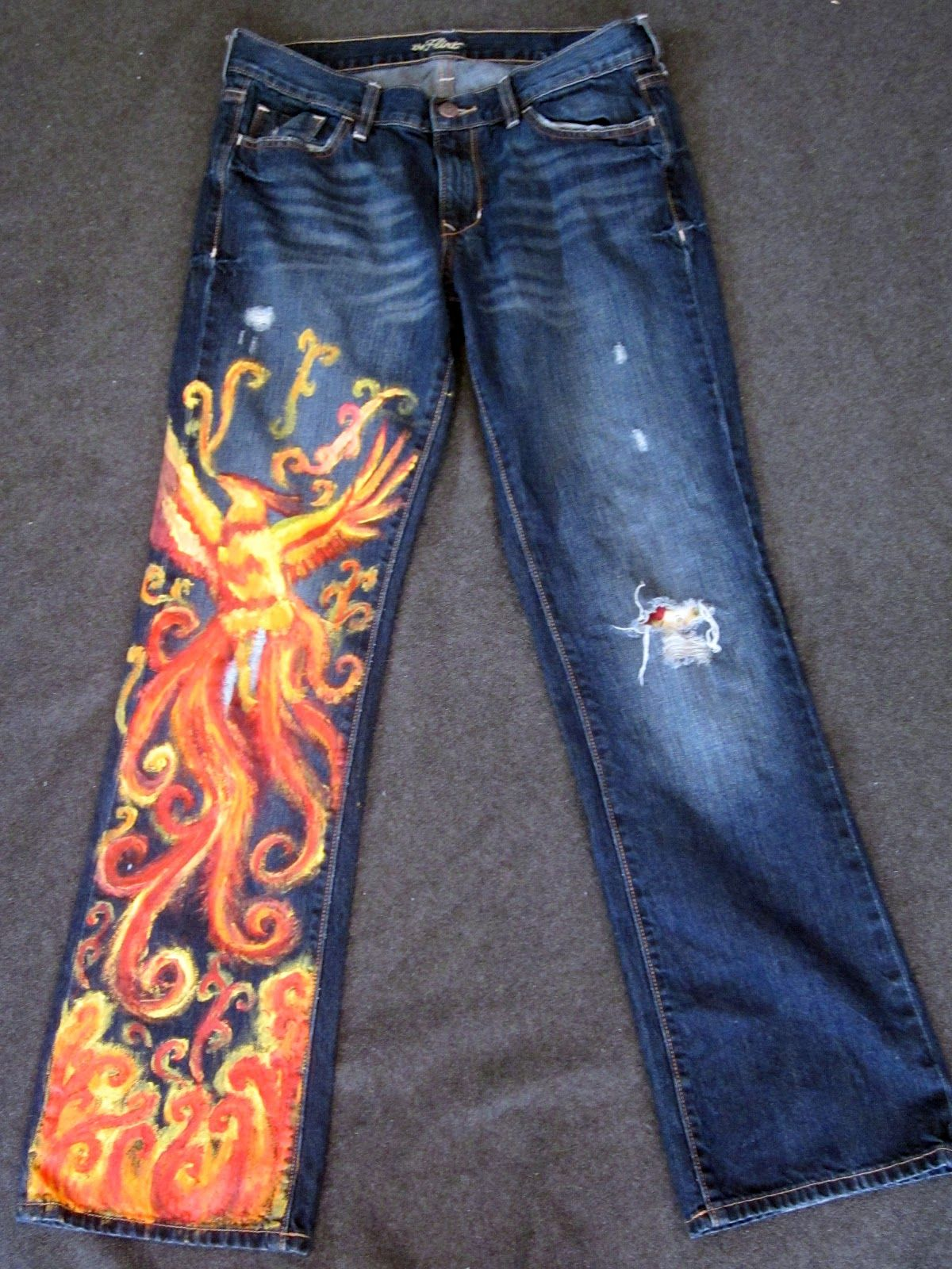 An easy way to customize your jeans painted jeans