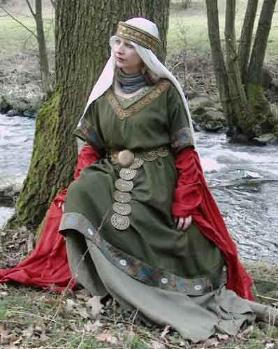 Gudrun is waiting for Siegfried