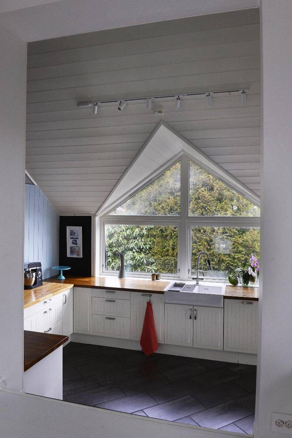 Kristine og Bjørnar har fått et hus der besøkende lurer på hva som kommer rundt neste sving - Aftenposten