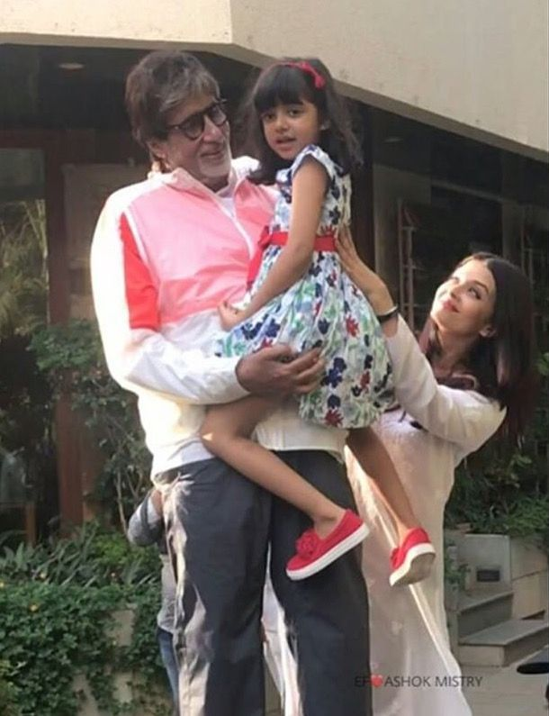 Aishwarya With Daughter Aaradhya Bachchan And Father In Law