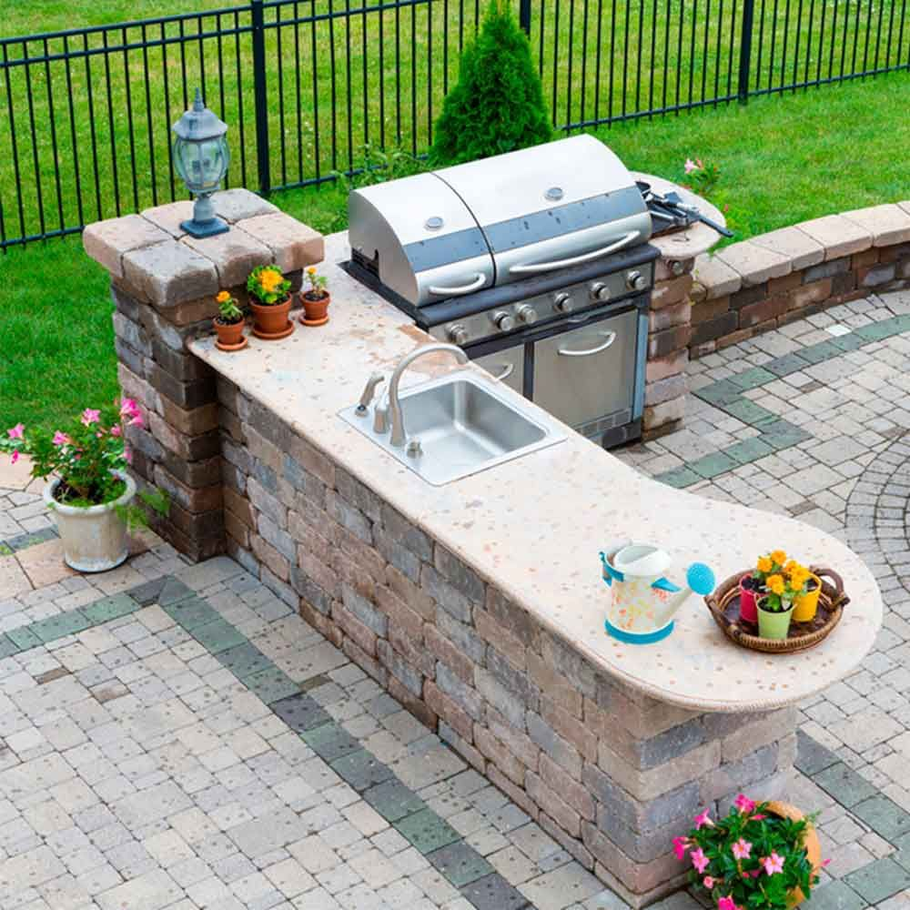 backyard entertaining spaces
