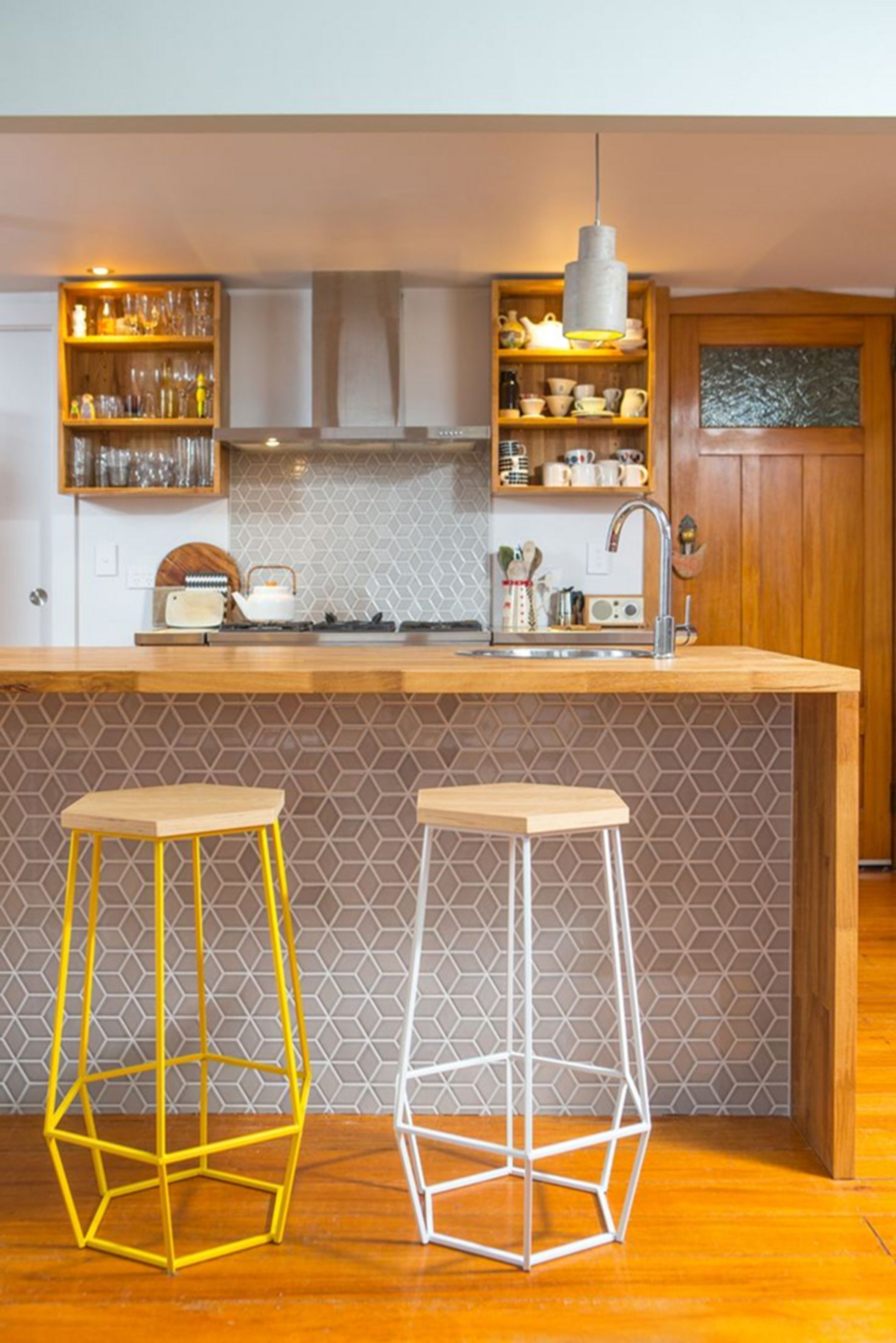 Breathtaking 9+ Best and Awesome Small Kitchen Bar Design Ideas ...