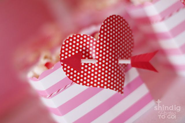 tutorial for making these DARLING heart day treat boxes (on the cheap!)