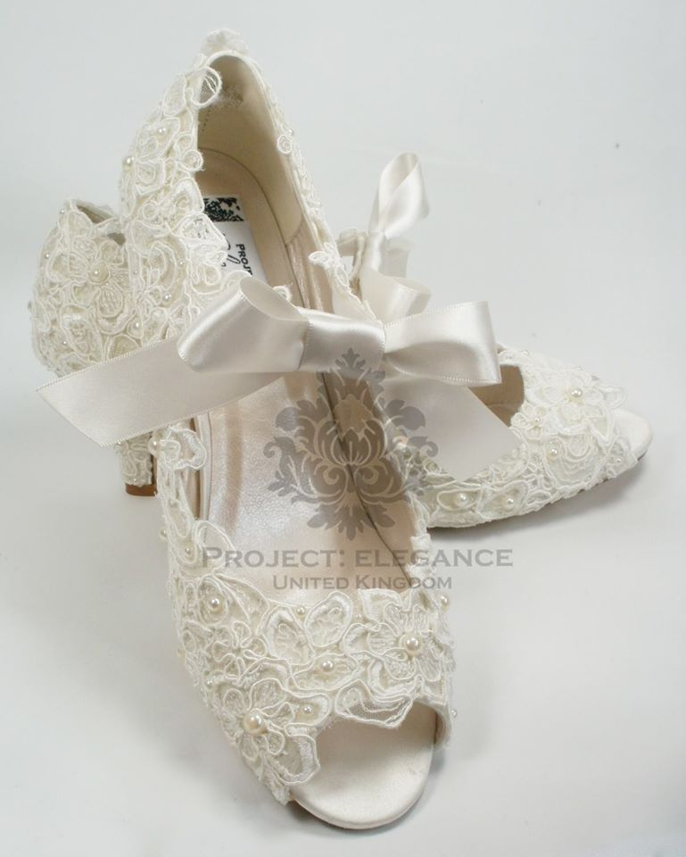 Details About WOMENS NEW IVORY VINTAGE LACE PEARL PEEP TOE