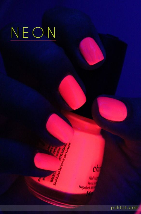 PINK glow in the dark!! (China Glaze - Poolside Party)♛♥SJJ♥♛