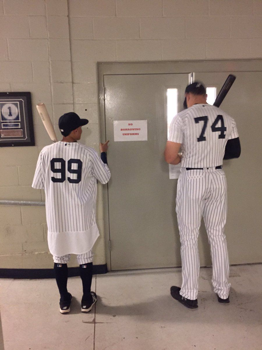 Aaron Judge And Ronald Torreyes Swapped Jerseys With Predictably Absurd Results New York Yankees New York Yankees Baseball Yankees Baseball