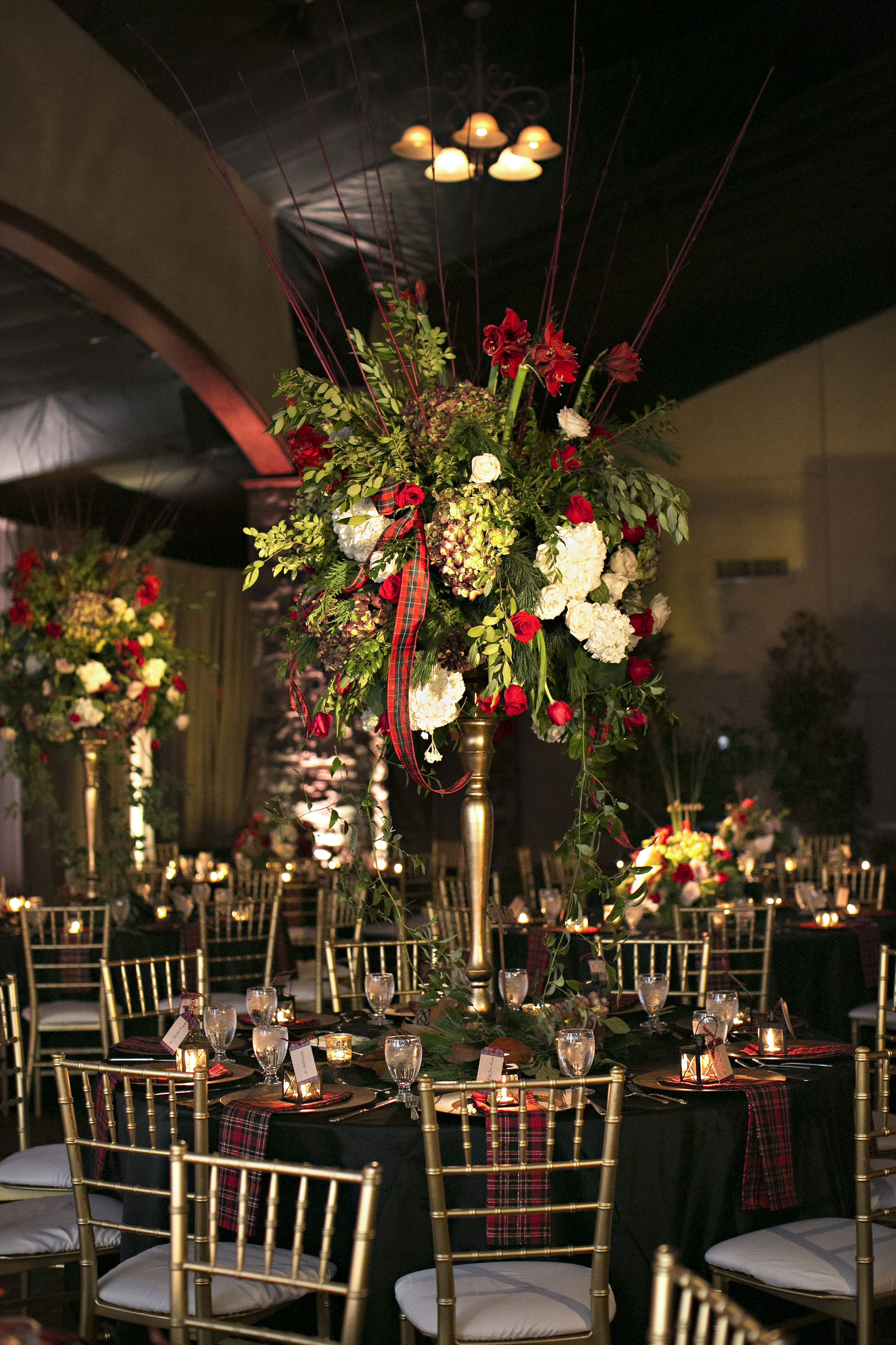How Perfect For A Christmas Time Wedding Super Florals And Decor