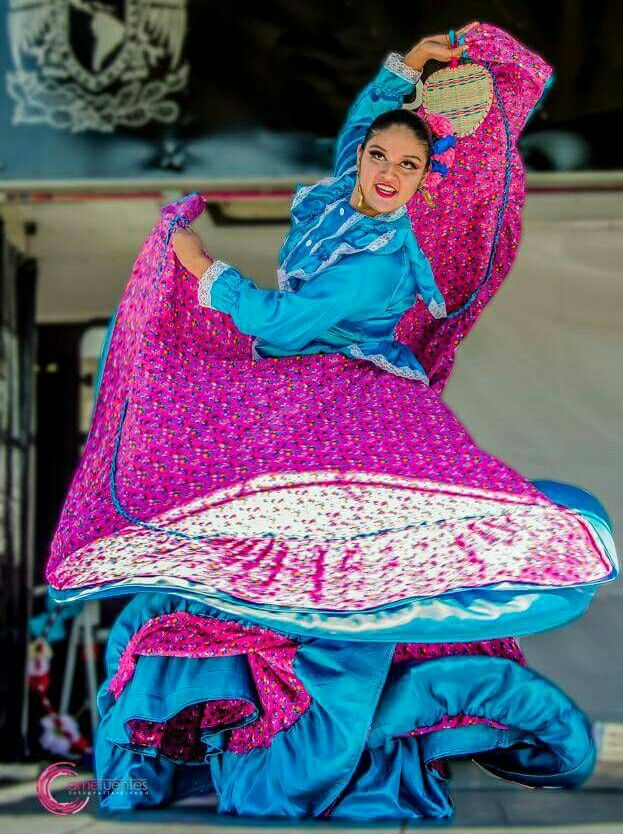 Beautiful Nayarit Folklorico Dancer | Nayarit | Pinterest | Traje ...