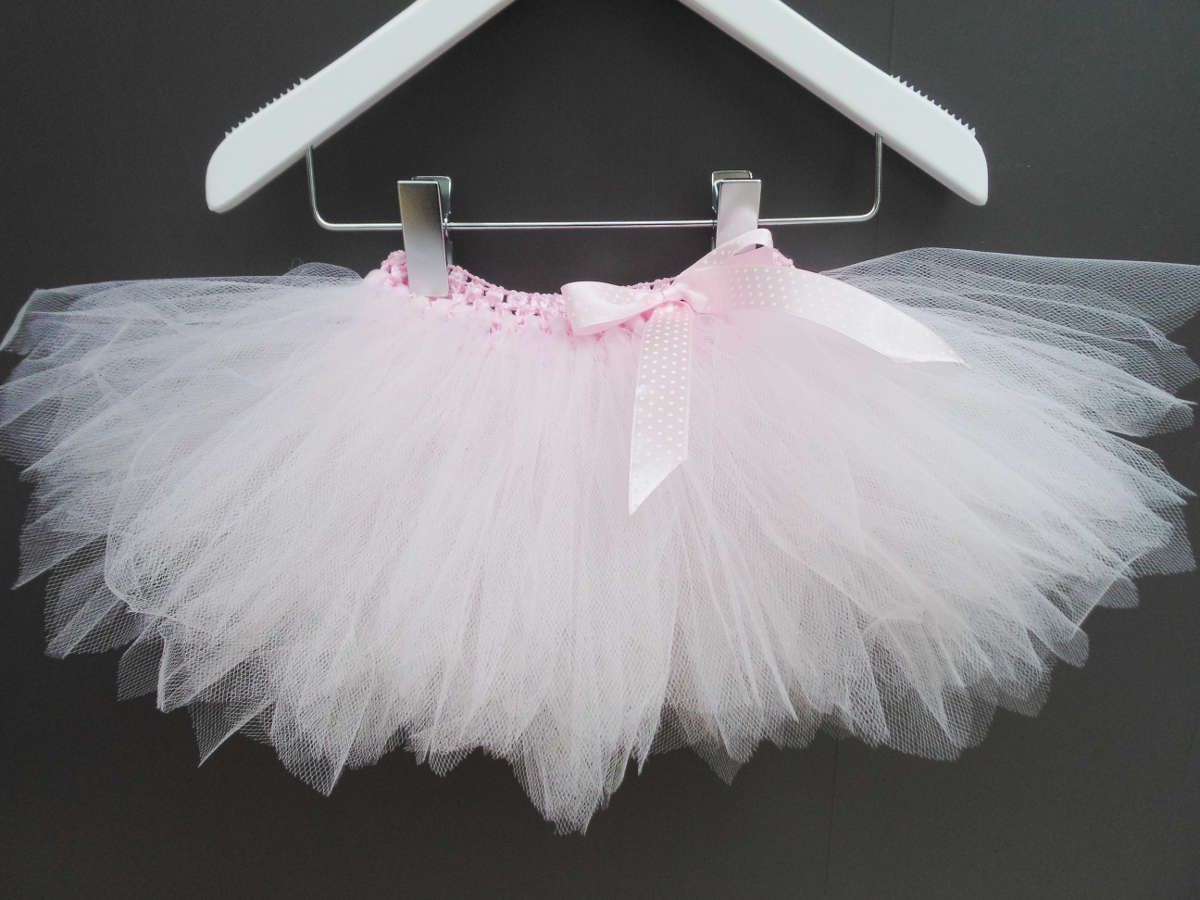 Bavoir b b gris fleurs de tissu et tissu pois roses - Ballerine rose poudre ...