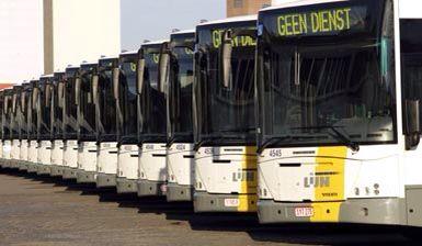 Openbaar vervoer.  Van Antwerpen station bus 427  perron 1 tot Herentals dan perron 10 bus 511 tot Herenthout mer de trein eerst naar herentals en dan dezelfde bus
