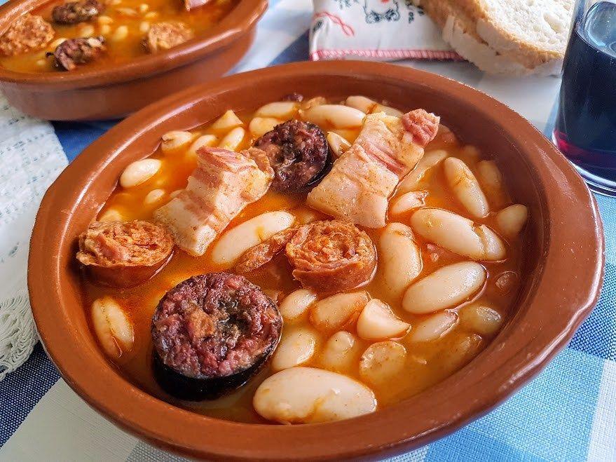 Fabada Asturiana Receta Tradicional De Nuestro Viaje Por Asturias Y Como La Mayoria De Turistas Y Visitantes Nos T Fabada Asturiana Recetario De Cocina Guisos