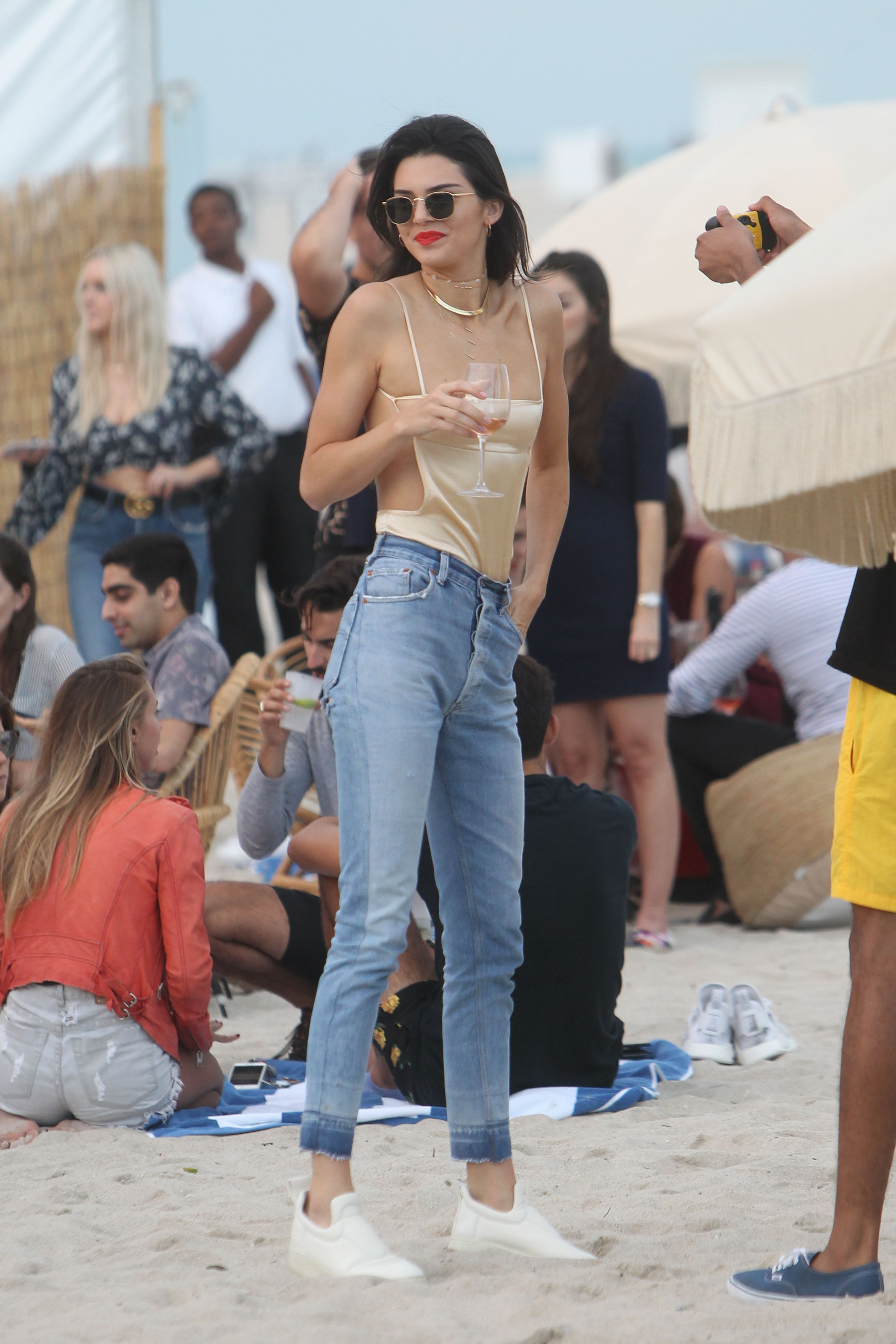 636c8d15eb7 Kendall Jenner Set the Tone for Casual Fall Fashion in New York City ...