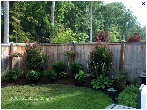 Fence Line Yard Work Small Backyard Landscaping Landscaping Along Fence Backyard Fences