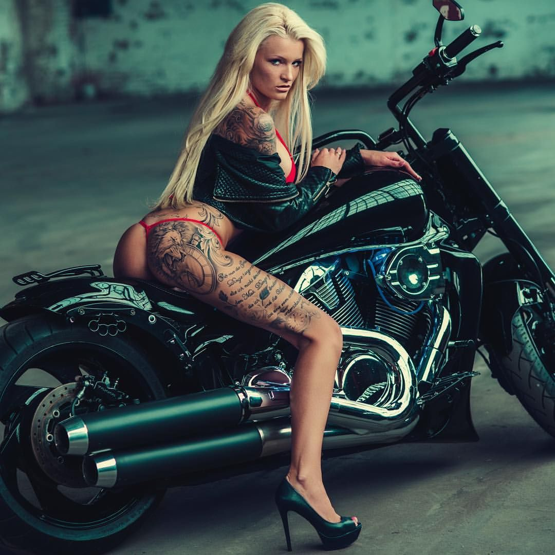 girl-sex-nude-bobber-motorcycles-babes