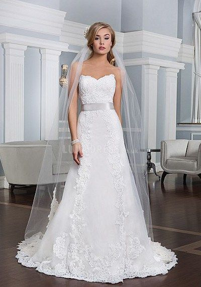 Wedding dress for petite brides … | Pinteres…