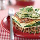 Lasagne met gehakt en courgette Let op: tomantenblokjes/puree gebruiken en geen tomatenpuree (staat verkeerd in het recept!)