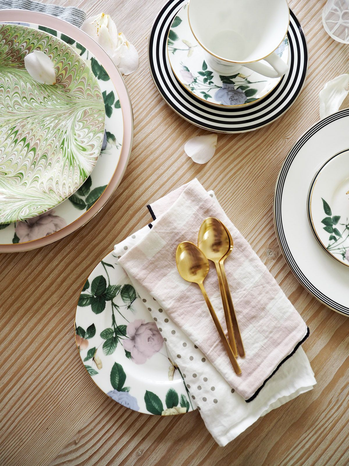 How To Mix N Match China For A Modern Registry Coco Kelley Unique Table Settings Top Wedding Registry Items Homemade Xmas Decorations Mix and match dinnerware sets