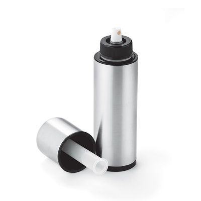 Refillable Cooking Spray Bottle - Save money by refilling with your own oil. $15.99 #cookingtools