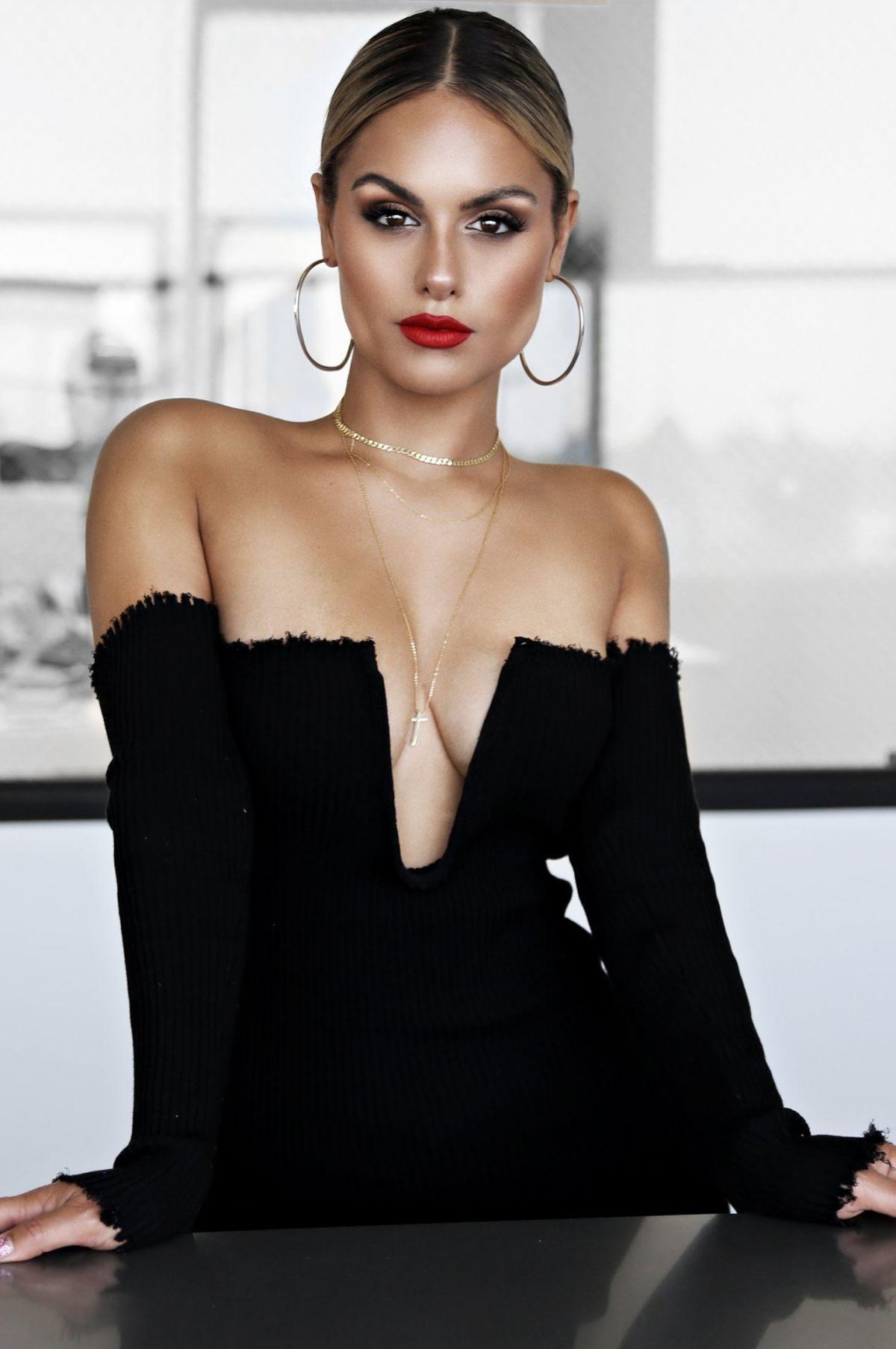 Pia toscano jluxlabel fallin for pia fashion line 2019