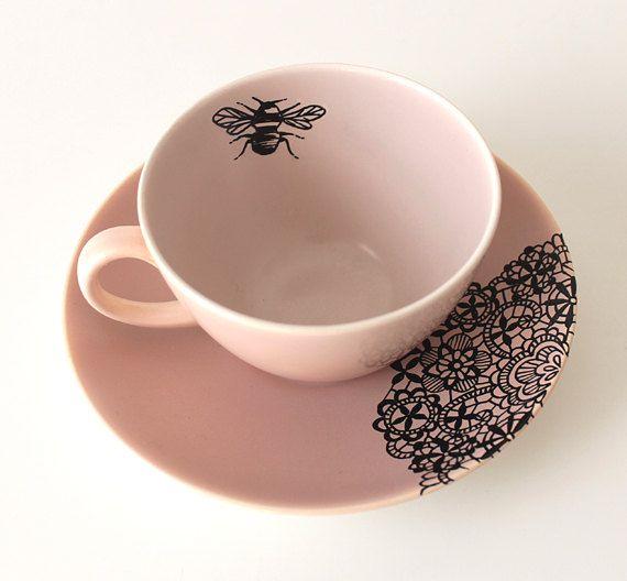 the bee 39 s reverie queen bee teacup and saucer by yvonneellen on etsy bienen honig kunst. Black Bedroom Furniture Sets. Home Design Ideas