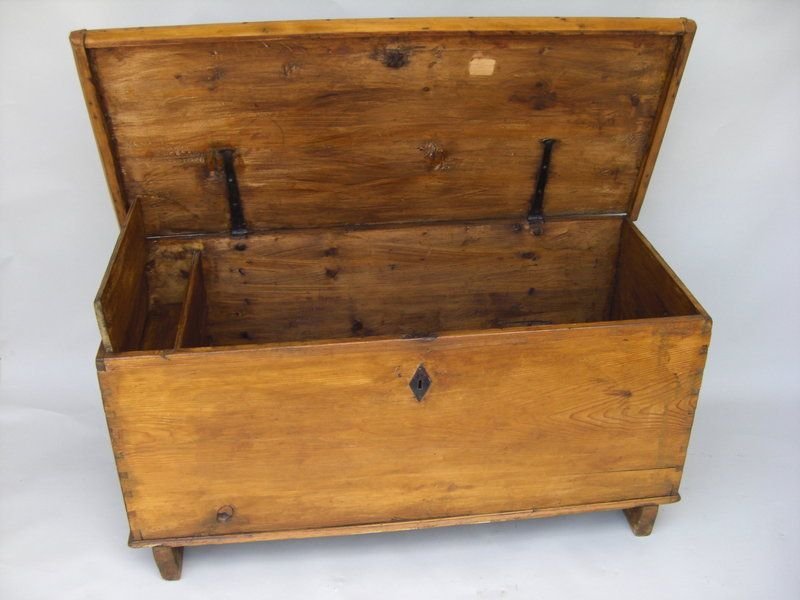 19th C Antique American Pine Blanket Chest For Sale Antiques Com Classifieds Trunks For Sale Blanket Chest Blanket