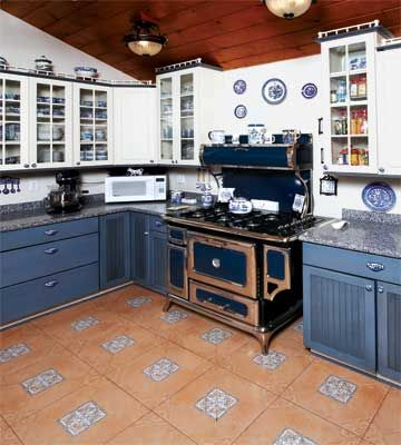 Blue Willow Kitchen | Kitchen Remodel | Kitchen Design Ideas — Country Woman Magazine