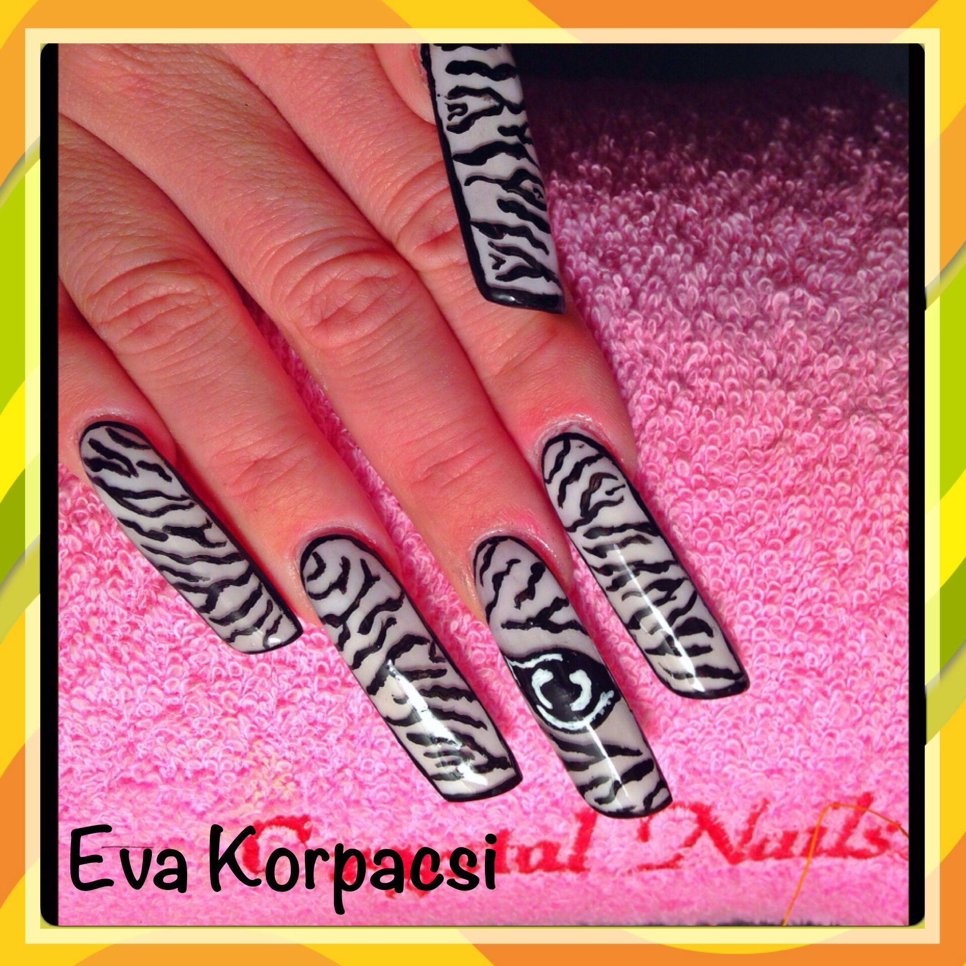 Lipstick nail shape wit zebra print | Nails by Eva | Pinterest