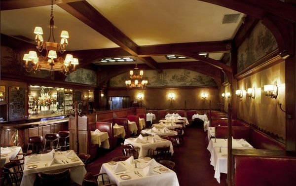 Dining Room At Musso Frank Hollywood Classic Restaurant Hollywood Restaurants La Restaurants