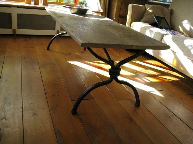 Gesmede tafel met oud eiken blad de smidse vlaander pinterest