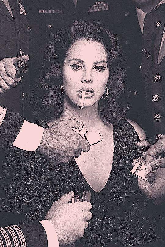 Photo of Lana Del Rey Make-up Eyeliner Winged Liner natürlicher Jahrgang mit Retro Frisu – New Site
