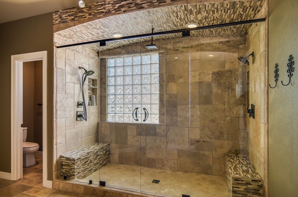 Traditional master bathroom with wall tiles mosaic tile for Traditional master bathroom ideas