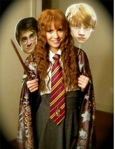 Looking adorable dressed as hermione nina dobrev the vampire diaries the beautiful nina - Deguisement hermione granger ...