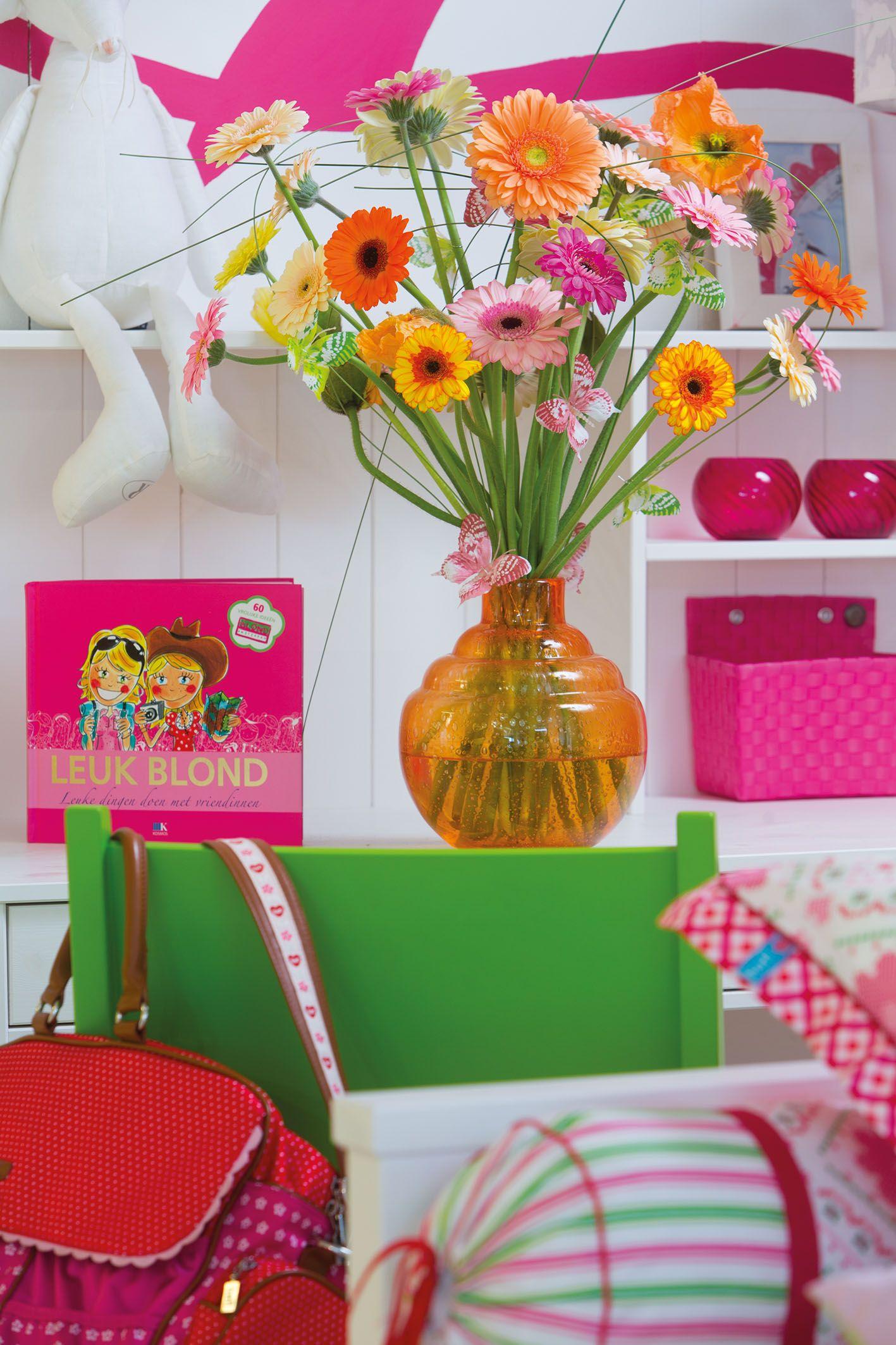 Colourful gerberas in an orange vase #pinkgerberas #orangegerberas #inspiration #colouredbygerbera #dutchgerbera