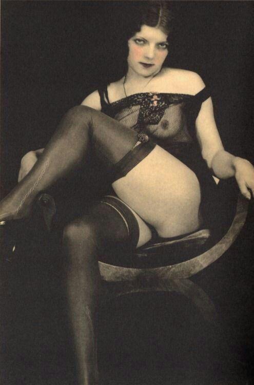 Lisa Ann Vintage Erotica