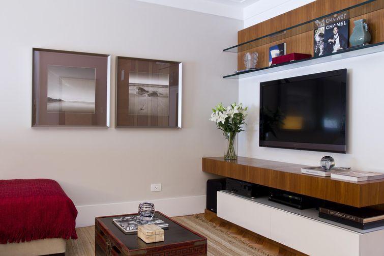 Painel E Rack Sala Pequena ~ Sala pequena aprenda a decorar bem e arrase  Mesas, Tv rack and