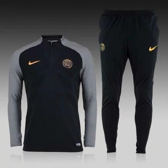 Ensemble Nike du Paris Saint Germain. Composition : 100
